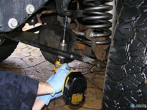 Jeep Track Bar Install-drilling_frame_jeep_trackbar_install.jpg