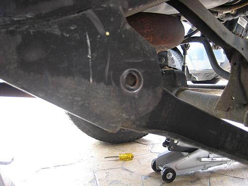 Jeep Control Arm Install-removing-stock-control-arms.jpg