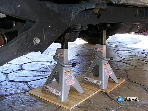 "Lift your TJ - installing a Rubicon Express 2"" coil spacer kit-position_jack_stands_jeep_wrangler_coil_suspension_lift.jpg"