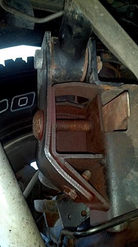 Jeep TJ Rear Trackbar Bracket-2012-06-14_15-43-17_478.jpg