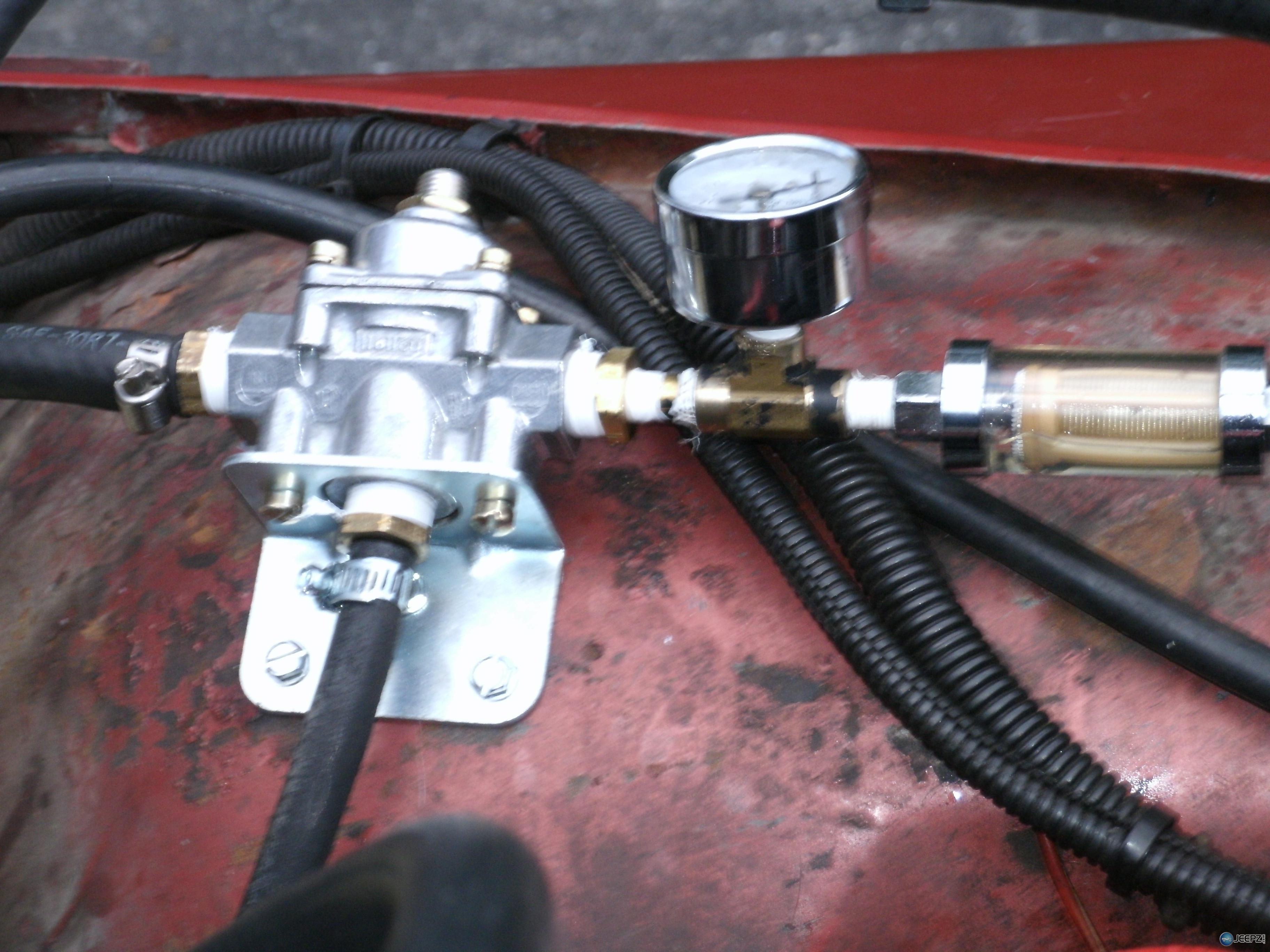 D Eldebrock Fuel Return Oil Pressure on Jeep Tj Fuel Pump