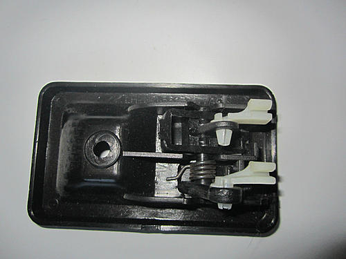 Need Driver's Half Door Latch Assy or clips for 1991 Jeeo YJ-s-l1600.jpg