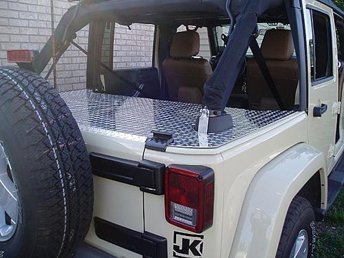 Jeep Trunks-p7140002-640x480-.jpg