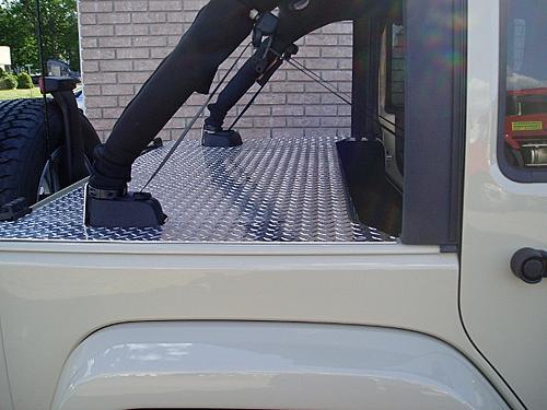 Jeep Trunks-p7140003-640x480-.jpg