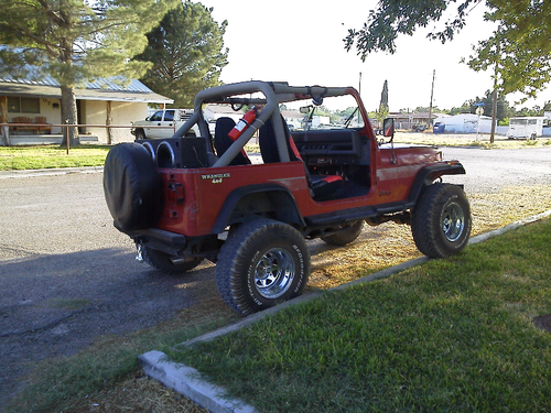 my 88 yj just put my new tires-forumrunner_20110727_232643.png