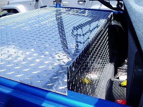 Jeep Trunks-p7310004-640x480-.jpg