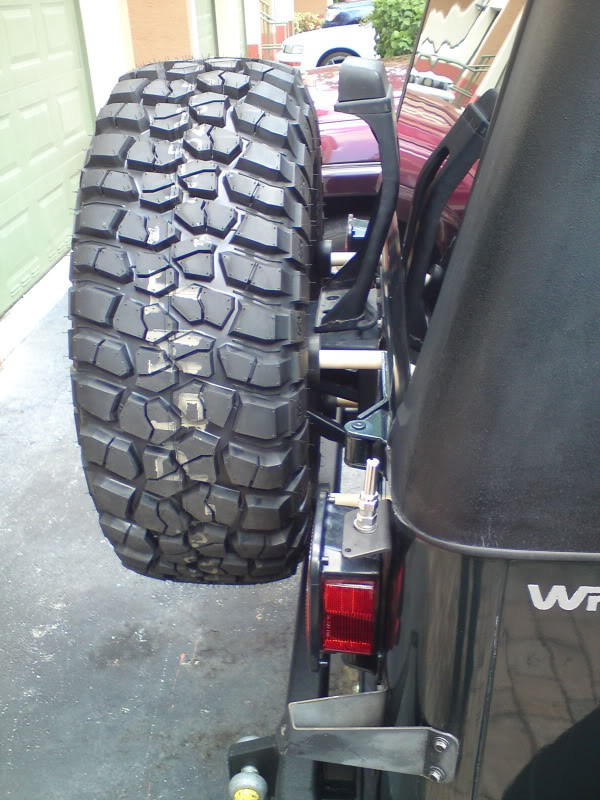 What size tire is too big for the tailgate?