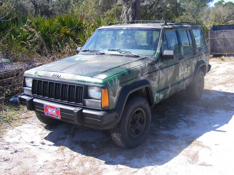 88' Cherokee, after camo paint job